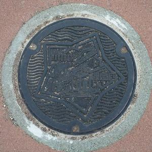 Manhole02